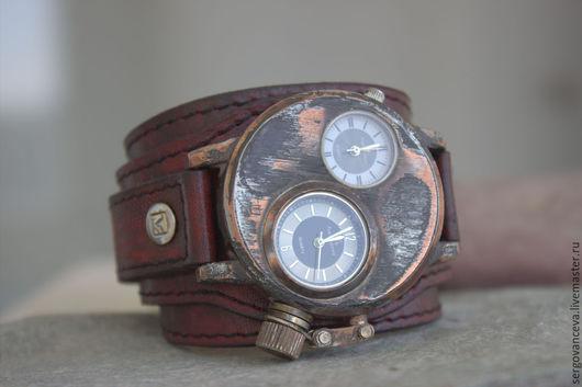 """Часы ручной работы. Ярмарка Мастеров - ручная работа. Купить Часы наручные """"Безумный Макс"""". Handmade. Бордовый, патина"""