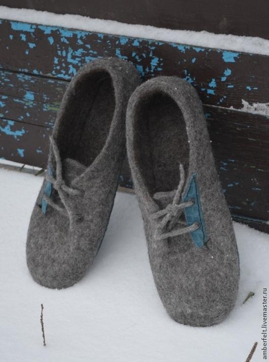 """Обувь ручной работы. Ярмарка Мастеров - ручная работа. Купить Тапки мужские """"Sneakers"""". Handmade. Серый, войлок, валяная обувь"""