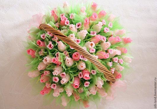 """Букеты ручной работы. Ярмарка Мастеров - ручная работа. Купить Букет из конфет в корзине """"55 Роз"""". Handmade. Розовый"""