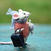 Куклы и игрушки ручной работы. Ярмарка Мастеров - ручная работа Мышонок с рюкзаком:). Handmade.