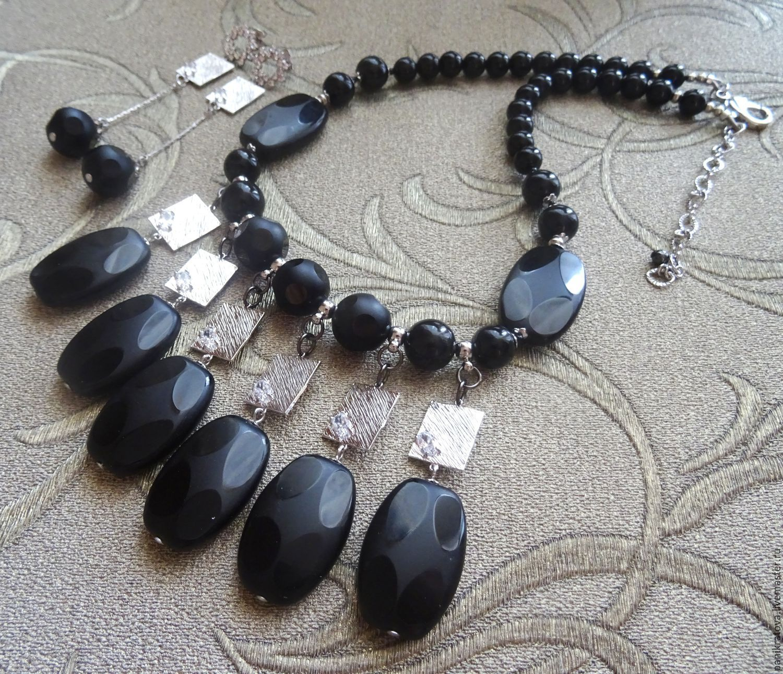 Украшения с черными камнями фото лучших бурбонов