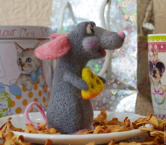 Игрушки животные, ручной работы. Ярмарка Мастеров - ручная работа. Купить войлочная крыса Фома. Повтор.(интерьерная игрушка).. Handmade.