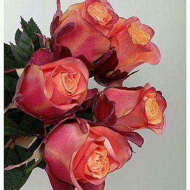 Цветы и флористика ручной работы. Ярмарка Мастеров - ручная работа Реалистичные розы из фоамирана. Handmade.