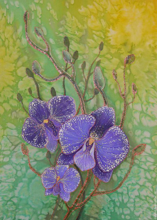 Фиолетовая орхидея,выполнена в технике холодный батик.Выполнена качественными  немецким красителями,не выгорает,сохраняя качество цвета многие годы.Отличный подарок и хорошее интерьерное украшение.