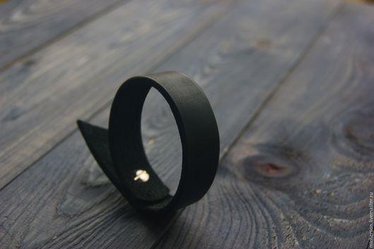 Браслеты ручной работы. Ярмарка Мастеров - ручная работа. Купить Браслет Richly Plain black. Handmade. Черный, натуральная кожа