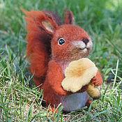 Куклы и игрушки ручной работы. Ярмарка Мастеров - ручная работа Бельчонок с лисичкой. Валяная игрушка из шерсти. Handmade.