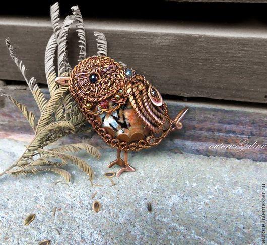 Броши ручной работы. Ярмарка Мастеров - ручная работа. Купить Брошь птица.Крапивник  (астрофиллит,коричневый). Handmade. Коричневый