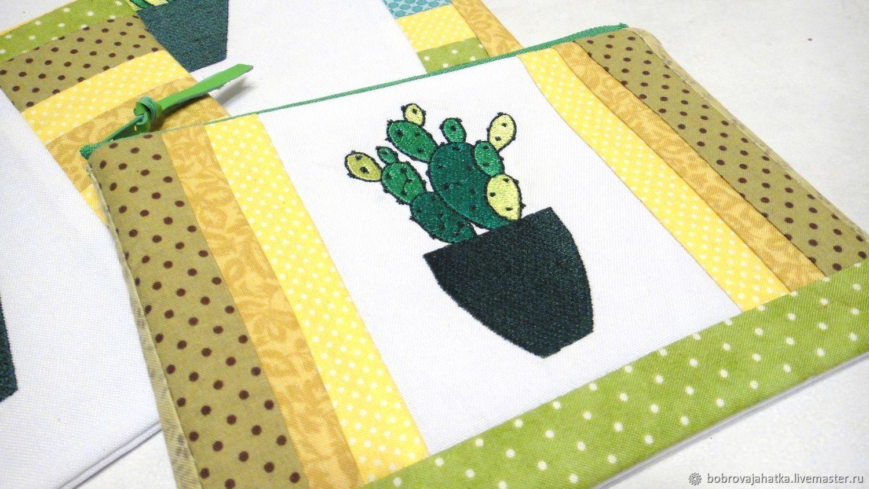 f7718ff3e76b Женские сумки ручной работы. Женский кошелек косметичка на молнии пэчворк  Вышитый кактус опунция.