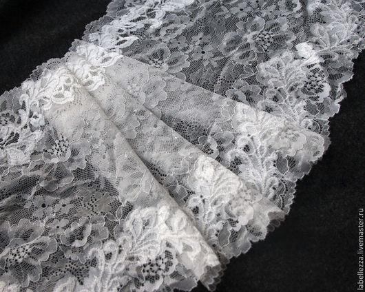 Ширина 24 см!!!!! На тончайшей сеточке вышит белоснежный цветочный орнамент.