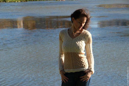 Кофты и свитера ручной работы. Ярмарка Мастеров - ручная работа. Купить Белый пуловер с косами. Handmade. Молочно-белый пуловер