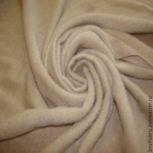 ткани пальтовые сток TOM FORD , Италия состав: шерсть беби лама шир. 154 см цена 4300 р цвет бледно-золотистый нежная, пушистая, мягкая , толстая пов-ть матовая, не мнется