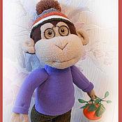"""Куклы и игрушки ручной работы. Ярмарка Мастеров - ручная работа Обезьянка """"А я тут с мандаринкой..."""". Handmade."""