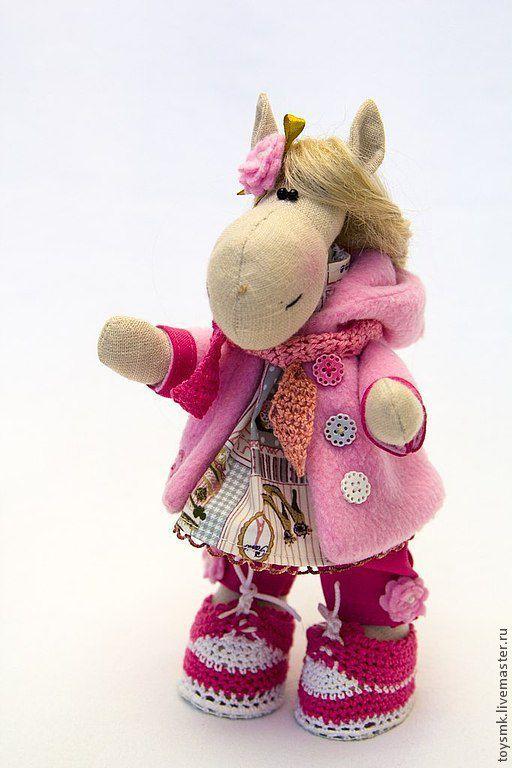 Игрушки животные, ручной работы. Ярмарка Мастеров - ручная работа. Купить Живет в моей квартире лошадь.... Handmade. Розовый, интерьер