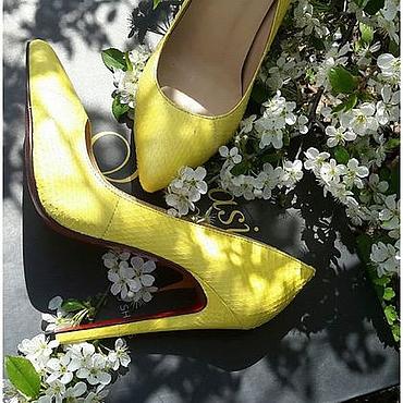 Обувь ручной работы. Ярмарка Мастеров - ручная работа туфли  из натуральной кожи питона лимонного цвета. Handmade.