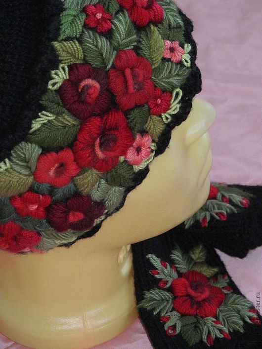 Шапки ручной работы. Ярмарка Мастеров - ручная работа. Купить Женская шапочка с ручной вышивкой   черная. Handmade. Черный