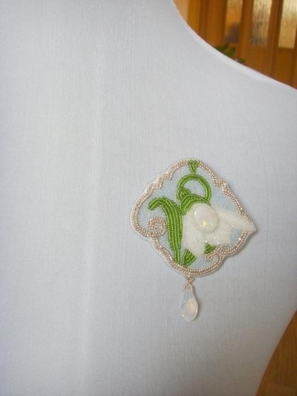 """Кулоны, подвески ручной работы. Ярмарка Мастеров - ручная работа Брошь-кулон """"Подснежник"""". Handmade."""