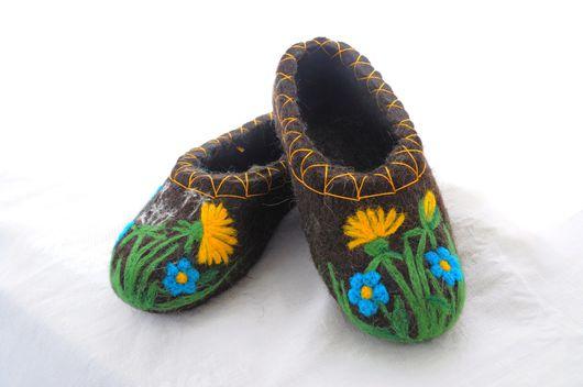 """Обувь ручной работы. Ярмарка Мастеров - ручная работа. Купить Валяные тапочки """"Одуванчики"""". Handmade. Темно-серый, тапочки"""