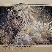 Картины и панно ручной работы. Ярмарка Мастеров - ручная работа Вышивка крестом Белый тигр (White Lightning). Handmade.