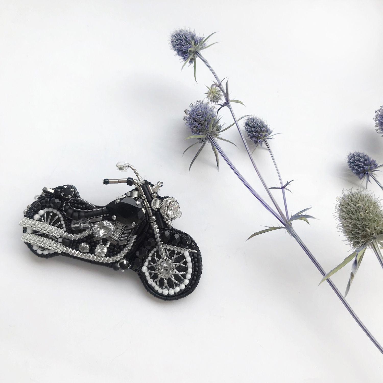 Вышитая брошь из бисера и бусин Мотоцикл, Брошь-булавка, Калуга,  Фото №1