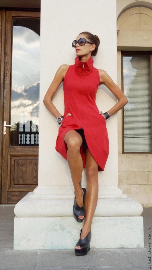Красное платье-туника-жакет для любого мероприятия! будьте оригинальной и неповторимой. Платье без рукава. Эсткравагантный  и уникальный дизайн!