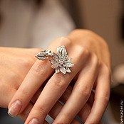 Серьги, кольцо, кулон Van Cleef & Arpels Lotus