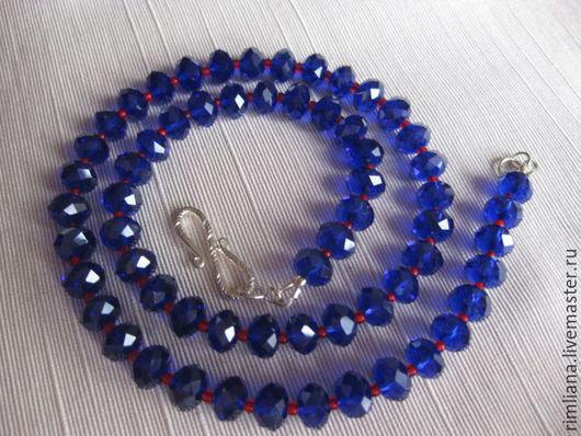 """Колье, бусы ручной работы. Ярмарка Мастеров - ручная работа. Купить Ожерелье """"Глубина"""" Сваровски. Handmade. Синий, подарок женщине"""