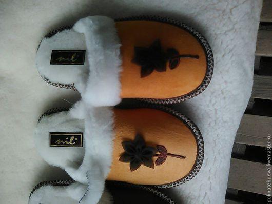 Обувь ручной работы. Ярмарка Мастеров - ручная работа. Купить тапочки из мутона. Handmade. Оранжевый, тапочки из мутона