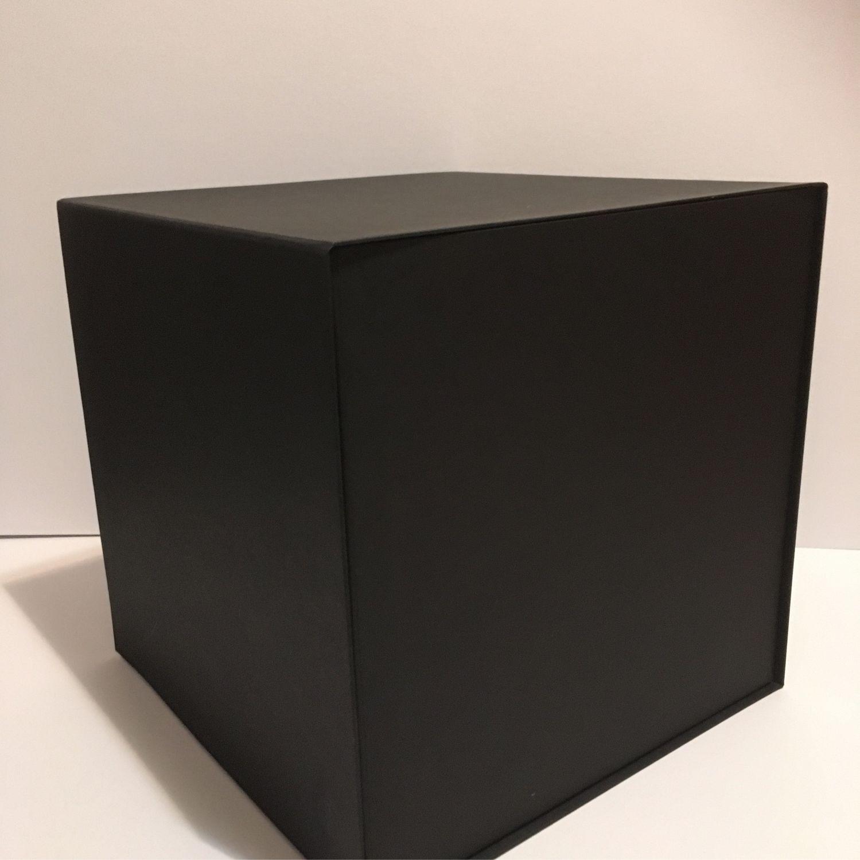 Чёрная Коробка на магнитах, Упаковка, Москва, Фото №1