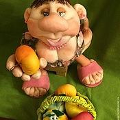 """Куклы и игрушки ручной работы. Ярмарка Мастеров - ручная работа """"Яблочка не желаете?"""" шаржевая кукла на удачу. Handmade."""