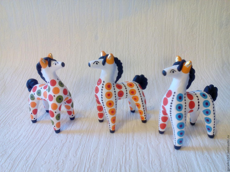 Картинки дымковской игрушки лошадки, военные
