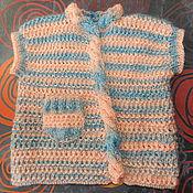 Работы для детей, ручной работы. Ярмарка Мастеров - ручная работа Вязаная небесно-персиковая жилетка для девочки. Handmade.
