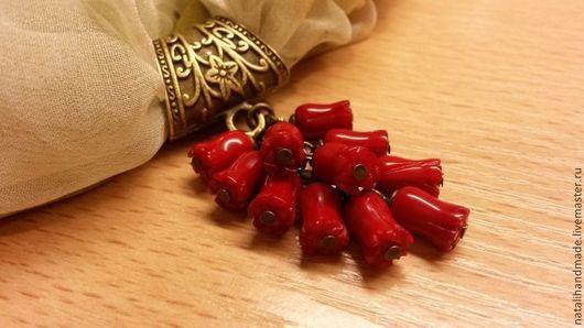"""Кулоны, подвески ручной работы. Ярмарка Мастеров - ручная работа. Купить Кулон-подвеска на шарфик """"Бутоны"""". Handmade. красный"""