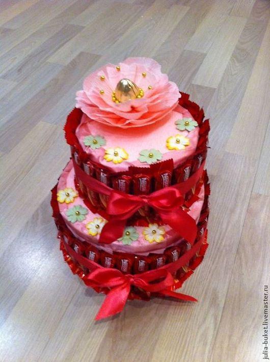 """Персональные подарки ручной работы. Ярмарка Мастеров - ручная работа. Купить Торт """"Праздничный"""". Handmade. Ярко-красный, торт из конфет"""