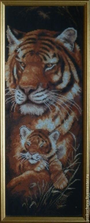 """Животные ручной работы. Ярмарка Мастеров - ручная работа. Купить Вышитая картина """"Тигрица"""". Handmade. Тигрица, картина в подарок"""