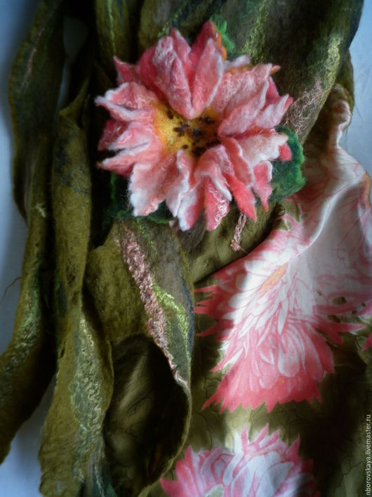 Шарфы и шарфики ручной работы. Ярмарка Мастеров - ручная работа. Купить Валяный из шерсти и шелка шарф-палантин Розовый лотос. Handmade.
