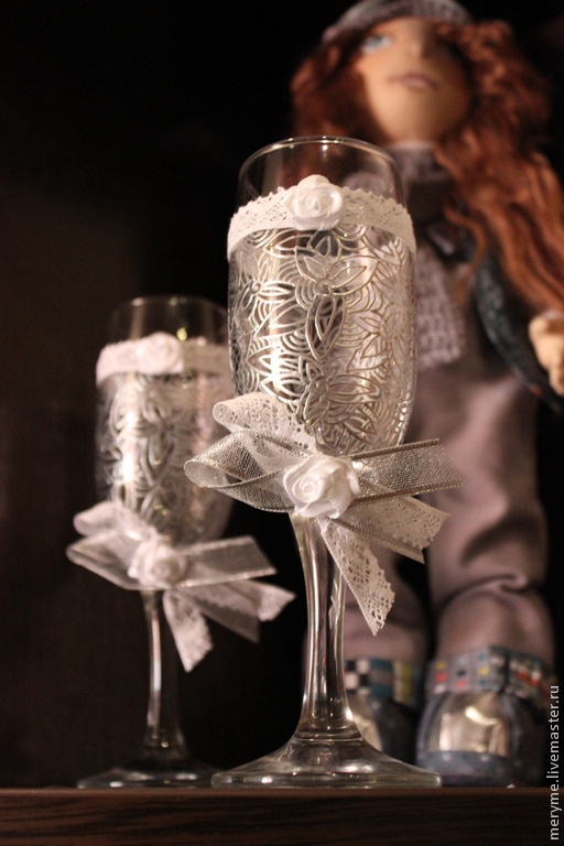 """Свадебные аксессуары ручной работы. Ярмарка Мастеров - ручная работа. Купить Свадебные бокалы """"Иней"""". Handmade. Серебряный, роспись, кружево"""