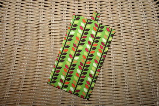 Для телефонов ручной работы. Ярмарка Мастеров - ручная работа. Купить Чехол для телефона  Ярко-зелёный с листиками. Handmade. Чехол