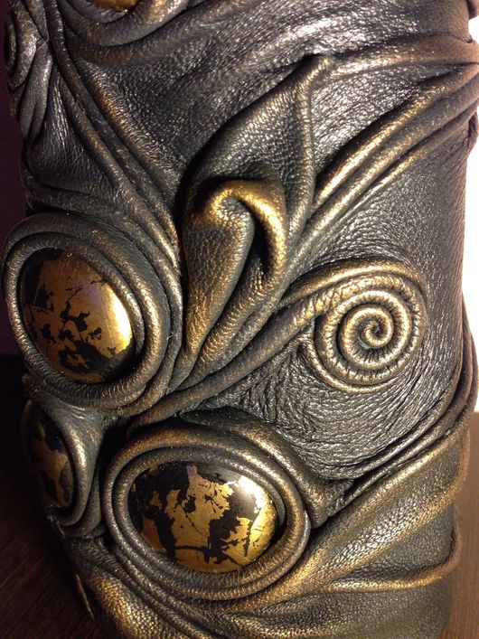 Вазы ручной работы. Ярмарка Мастеров - ручная работа. Купить Ваза из натуральной кожи Августа.. Handmade. Натуральная кожа, ваза