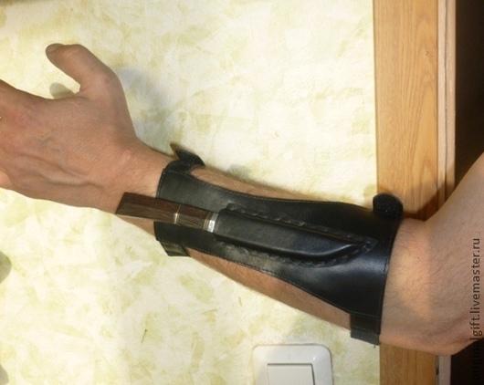 Оружие ручной работы. Ярмарка Мастеров - ручная работа. Купить Нож на руку.. Handmade. Черный, подарок мужчине, полезный сувенир