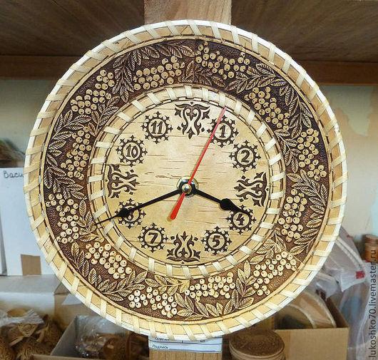 Часы для дома ручной работы. Ярмарка Мастеров - ручная работа. Купить Часы из бересты настенные. Часы на кухню. Handmade.