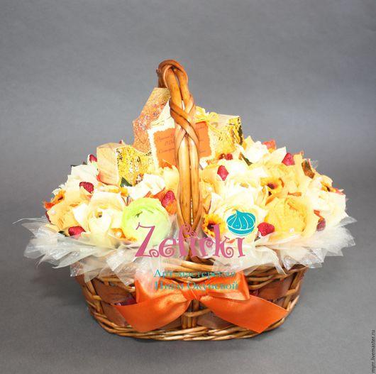Букеты ручной работы. Ярмарка Мастеров - ручная работа. Купить Букет из конфет корзина с конфетами учителю воспитателю врачу подарки. Handmade.