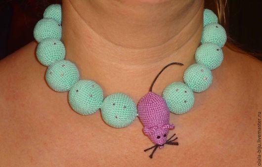 """Колье, бусы ручной работы. Ярмарка Мастеров - ручная работа. Купить """"мятные бусы с розовой мышей"""". Handmade. Мятный"""