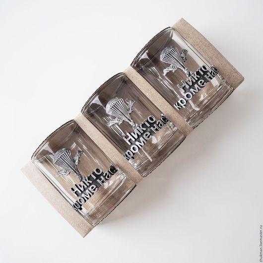 """Подарки для мужчин, ручной работы. Ярмарка Мастеров - ручная работа. Купить Набор стопок """"НИКТО КРОМЕ НАС! ВДВ"""" на троих в упаковке из картона. Handmade."""