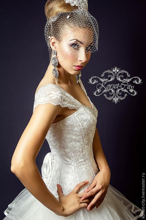 ccedb790b74d Корсеты ручной работы. Утягивающий корсет «Белая лилия» с лямками кружевной  свадебный. Елена