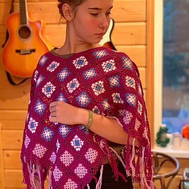Одежда ручной работы. Ярмарка Мастеров - ручная работа Вязаное пончо фиолетовое с кистями. Handmade.