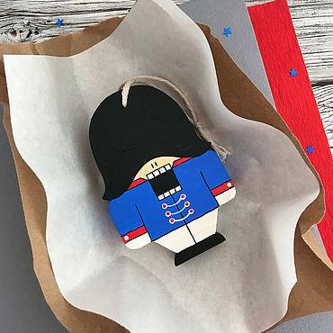 Сувениры и подарки. Ярмарка Мастеров - ручная работа Елочные игрушки: Щелкунчик синий. Handmade.