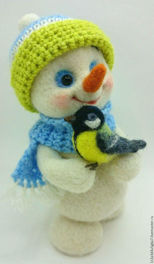 Новый год 2017 ручной работы. Ярмарка Мастеров - ручная работа. Купить Снеговичок с синичкой. Handmade. Снеговик, новый год 2016, улыбка