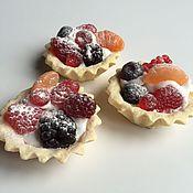 Косметика ручной работы. Ярмарка Мастеров - ручная работа Мыло корзиночка с ягодами круглая. Handmade.