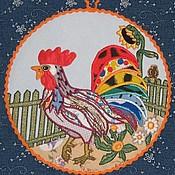 Для дома и интерьера ручной работы. Ярмарка Мастеров - ручная работа Подставка под горячее Петух на прогулке. Handmade.