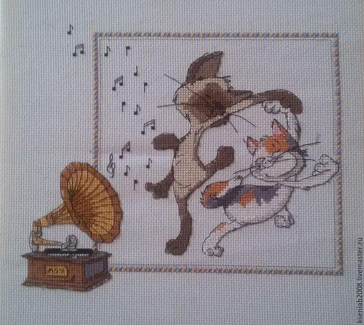Животные ручной работы. Ярмарка Мастеров - ручная работа. Купить Танцующие котики. Handmade. Белый, канва аида (aida) 14